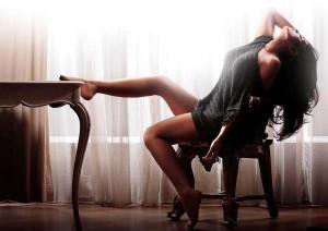 richa-chadda-cabaret-hot-look-pic