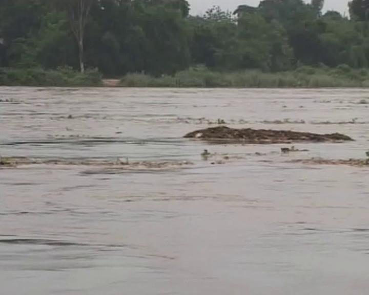 flood water in subarnarekha river