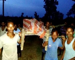bed ambulance-pregnance lady in khatia - no road to malkangir