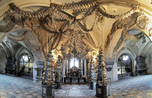 bone-church-czech