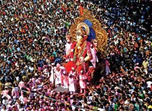 september-ganesh-chaturthi-at-mumbai-1024x747