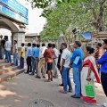 Startup Offers Helpers to Stand in Queues at Banks