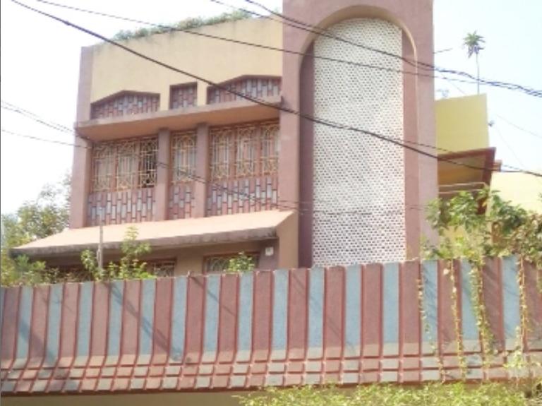 Pravat House