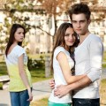 crazy-thoughts-every-single-girl-have-when-she-sees-a-happy-couple