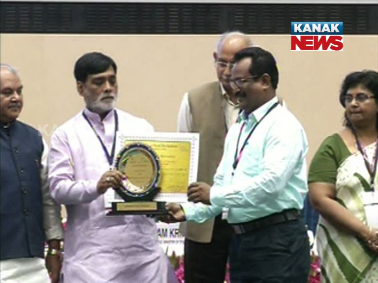 Odisha bagged Three Prizes for constructing better roads in Rural Zones of the State