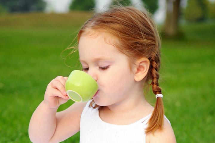 -Kid-To-Drink-Tea