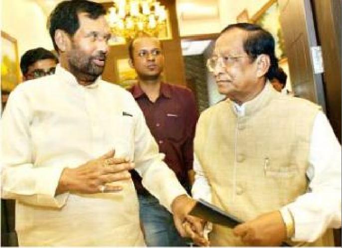 surya Patro meets Paswan, demands more rice for Odisha