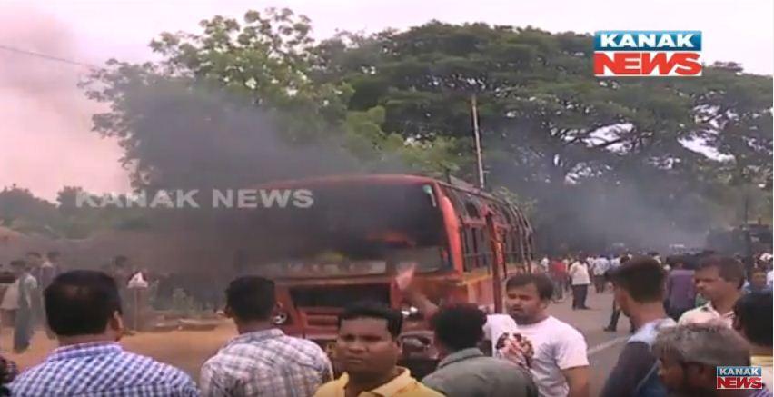 pipili bus accident
