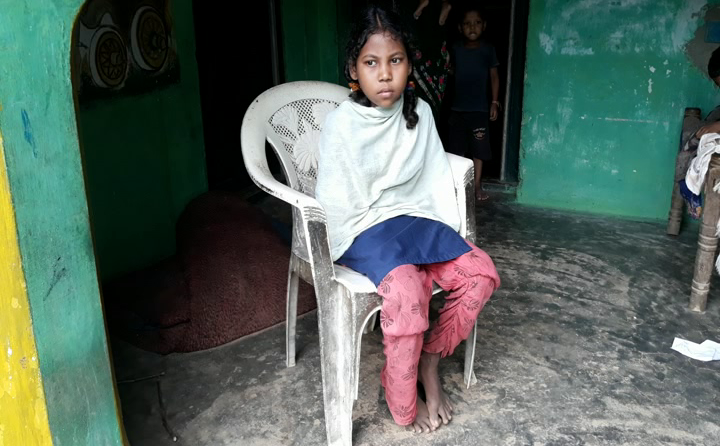 deepa lost hand due to electric current
