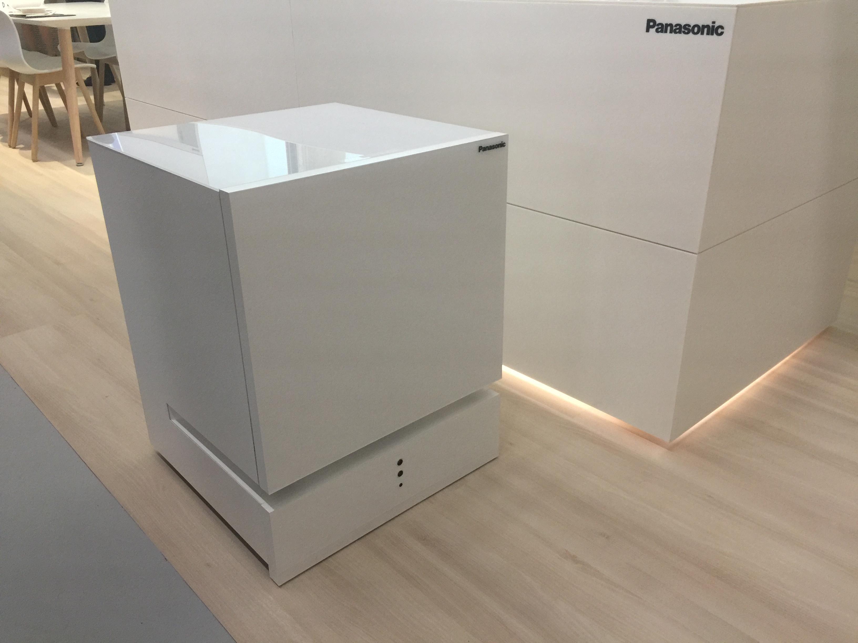 panasonic-movable-fridge-sake-cooler