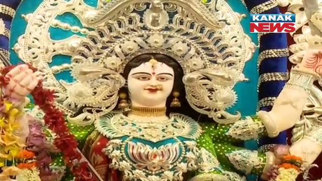 gold and silver idol in twin city