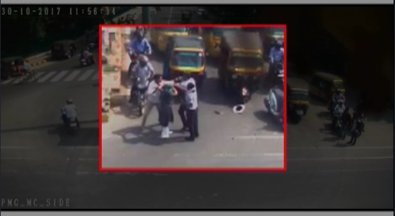 traffic police journalist fight