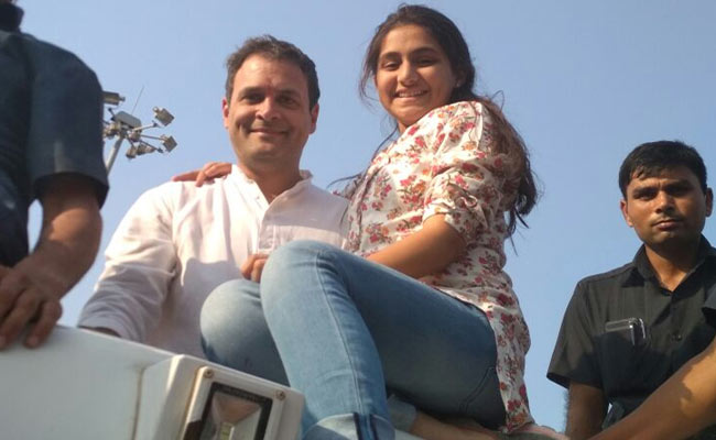 girl-takes-selfie-with-rahul_650x400_51509564916
