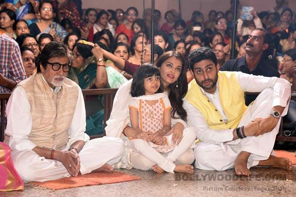 Anitabh-Bachchan-Aishwarya-Rai-Bachchan-Aaradhya-Bachchan-Abhishek-Bachchan-Jaya-Bachchan-Shweta-Nanda-1
