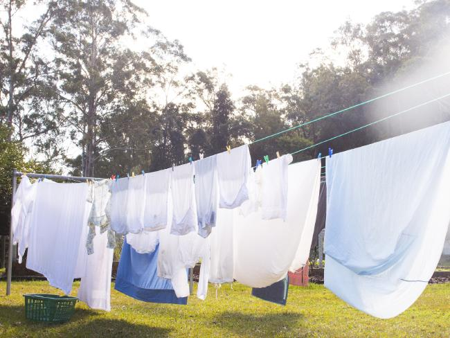 how to dry clothes in winter