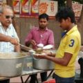 quality-food-in-just-5-rupes-in-noida-and-clotos-in-10-rupees-a-man-of-who-serves-the-poor-people