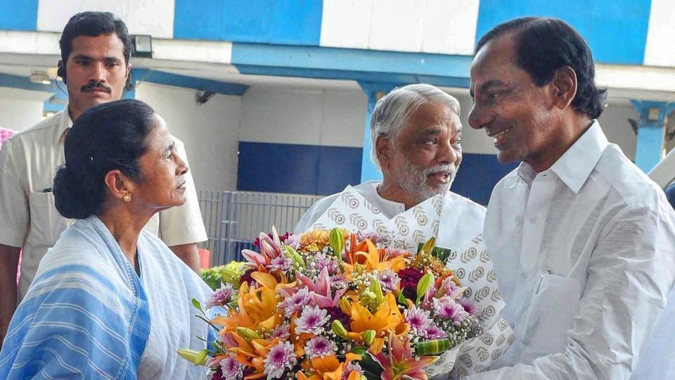K Chandrasekhar Rao meets Mamata Banerjee