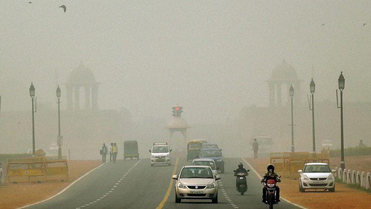 Smog covered Rajpath in New Delhi