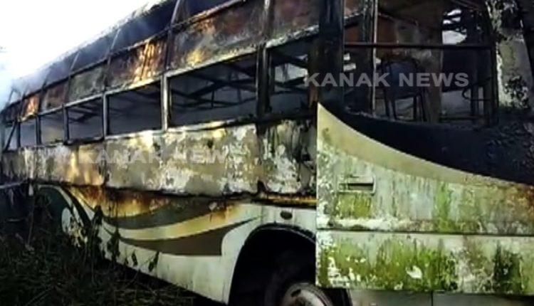 bus catches fire in khandagir