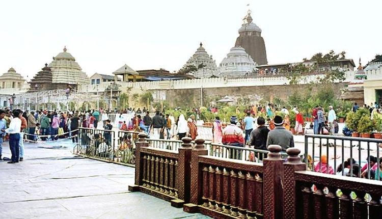 Barricade-Shifted-For-Darshan-Of-Patitapabana-At-Puri-Srimandir