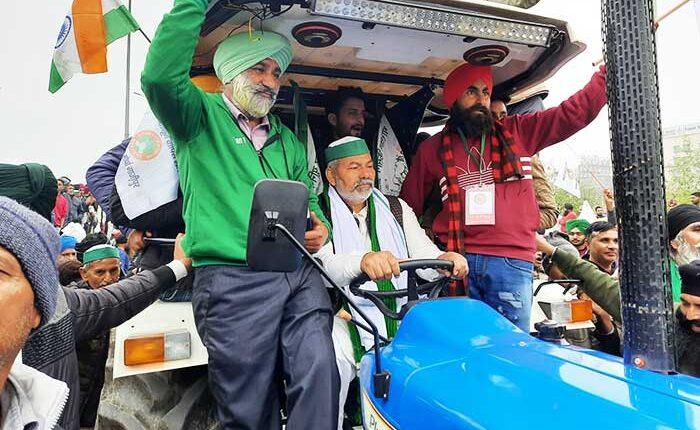 Tractor-March-Rakesh-TIkait