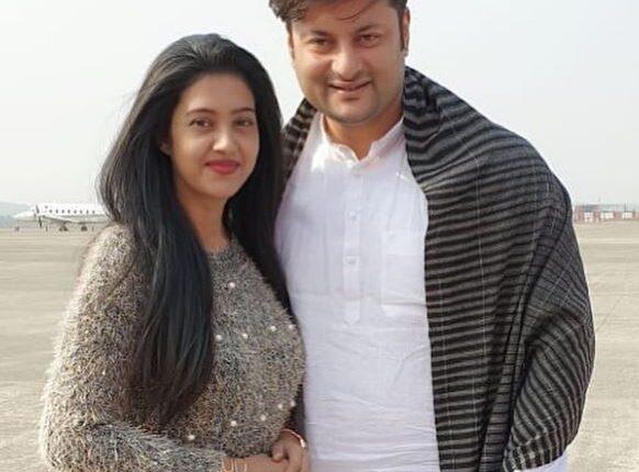 Barsha-Priyadarshini-with-husband-Anubhav-Mohanty