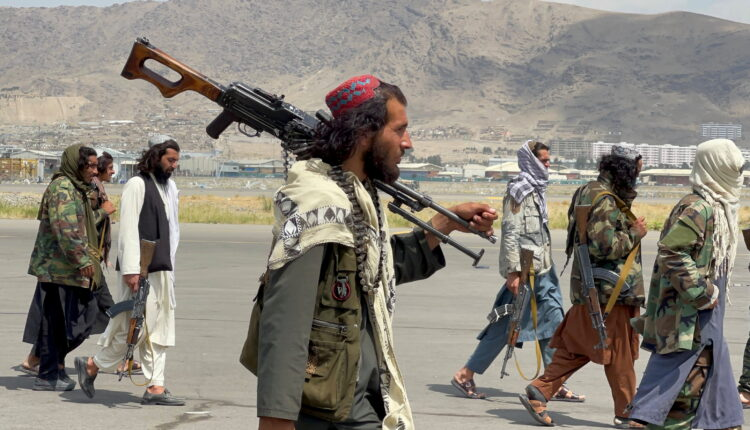 106935462-16304183352021-08-31t133953z_1932720083_rc2bgp9zqh7p_rtrmadp_0_afghanistan-conflict-airport-taliban