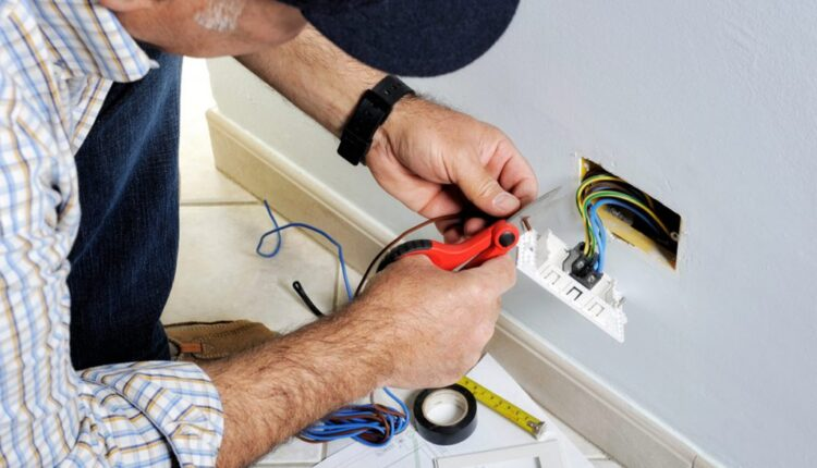 Things-to-Consider-While-Choosing-a-Best-Electrical-Repair